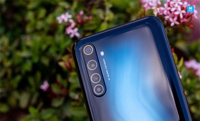 Cận cảnh Realme 6 Pro: Chip Snapdragon 720G, camera trước đục lỗ kép, sạc nhanh VOOC 4.0 - Ảnh 6.