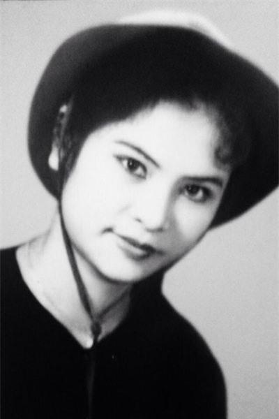 Ngỡ ngàng nhan sắc mẹ Thanh Lam thời trẻ - 2