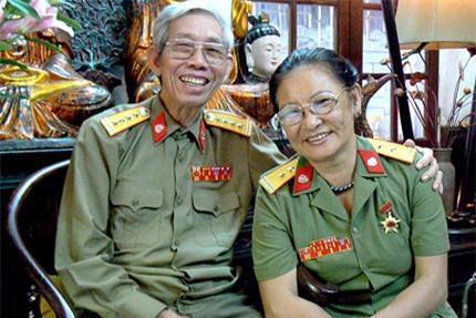 Ngỡ ngàng nhan sắc mẹ Thanh Lam thời trẻ - 5