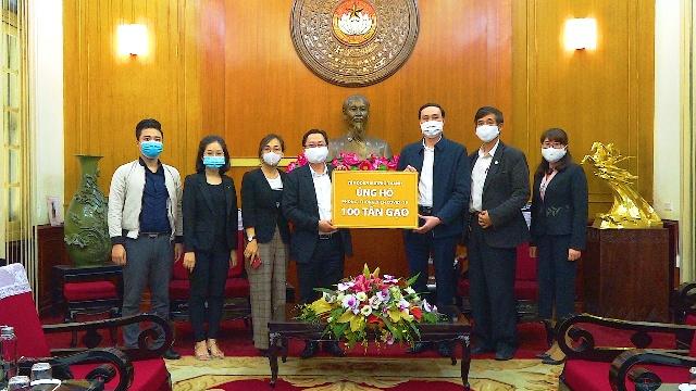 Tập đoàn Mường Thanh hỗ trợ 100 tấn gạo phòng dịch COVID-19