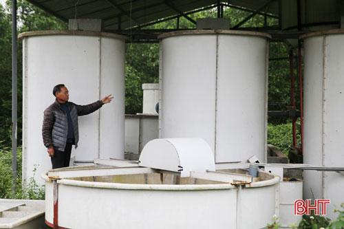 Với sự hỗ trợ của Sở Tài nguyên và Môi trường Hà Tĩnh, ông đầu tư hệ thống xử lý chất thải 2 tỷ đồng