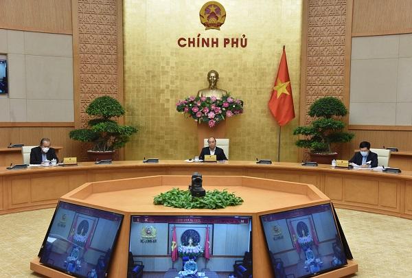 Thủ tướng ký thông qua gói an sinh xã hội 62000 tỷ hỗ trợ những lao động gặp khó khăn vì Covid-19
