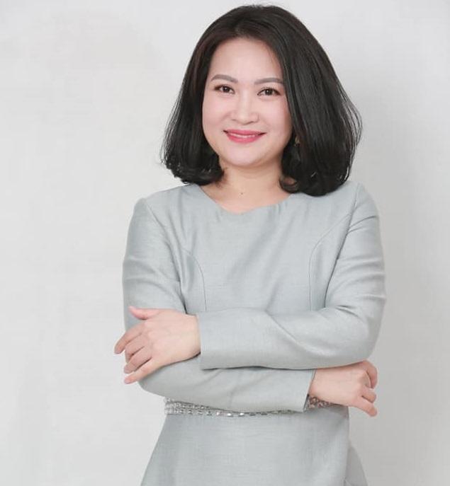 """Chuyên gia Cao Thương - Chairman & CEO của Spa Beauty Royal là một trong những người đầu tiên của Việt Nam sáng tạo ra liệu pháp nắn chỉnh thẩm mỹ bằng tay mang tên """"Liệu pháp Hadoo Moon"""""""