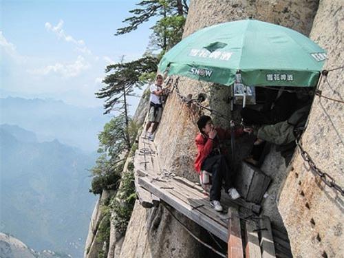 Những bậc thang ghê sợ nhất thế giới - 8