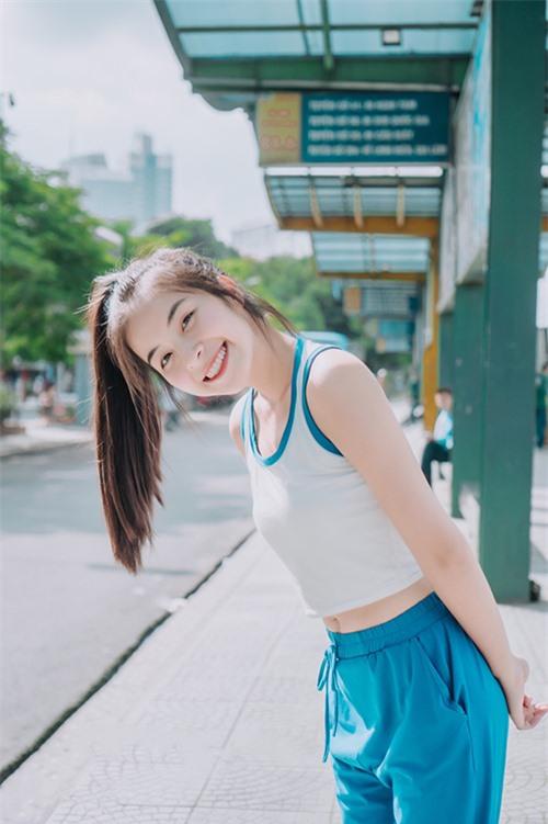 Trần Vân sở hữu vóc dáng nhỏ nhắn khi cao 1,55m và nặng 44kg. Ý thức được hạn chế về ngoại hình của mình nhưng khi tốt nghiệp cấp ba, cô vẫn chọn thi vào khoa diễn xuất vì thực sự yêu thích nghề diễn viên.