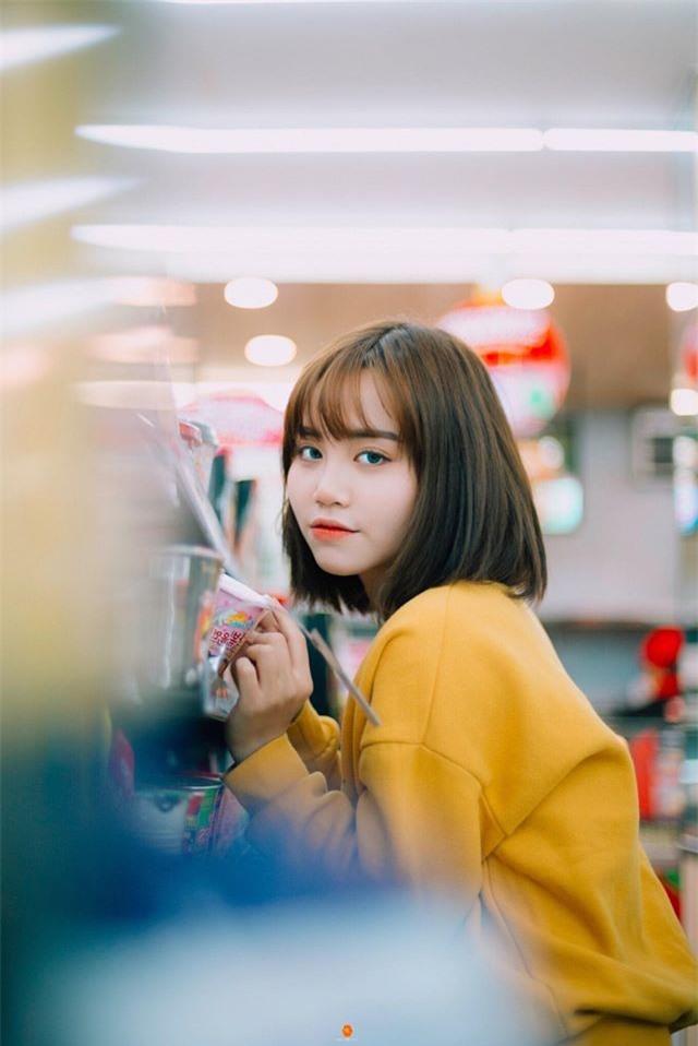 Nữ sinh ĐH Văn hóa gây chú ý vì giống hệt ca sĩ Hàn Quốc - 5