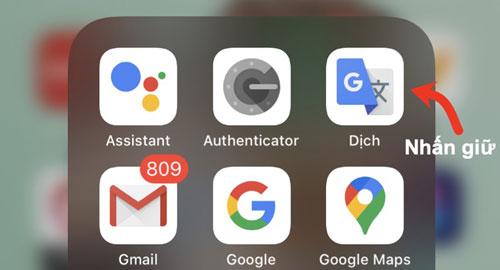 Nhiều người cài ứng dụng hoặc game lên máy rồi chỉ bật một lần và không bao giờ mở lại. Hãy kiểm tra toàn bộ ứng dụng đã cài trên máy, sau đó gỡ những ứng dụng ít, hoặc không còn sử dụng. Dù không sử dụng, chúng vẫn chiếm một phần bộ nhớ và tự động cập nhật gây tốn dung lượng 3G/4G. Trên màn hình chính của iPhone, nhấn giữ vào biểu tượng ứng dụng rồi chọn Xóa ứng dụng để gỡ bỏ chúng.