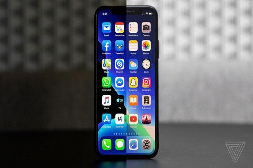 Dù khiến nhiều người khó chịu, không thể phủ nhận các ứng dụng mặc định do Apple phát triển như Mail, Safari, Apple Maps, Notes... luôn được tối ưu rất tốt cho iPhone. Tuy vẫn thiếu một số tính năng, chúng vẫn là lựa chọn tốt nhất nếu bạn cần tốc độ xử lý mượt mà. Ảnh: The Verge.