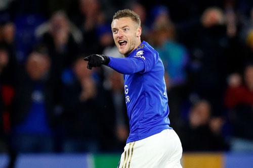 Tiền đạo: Jamie Vardy (Leicester City, năm sinh: 1987).
