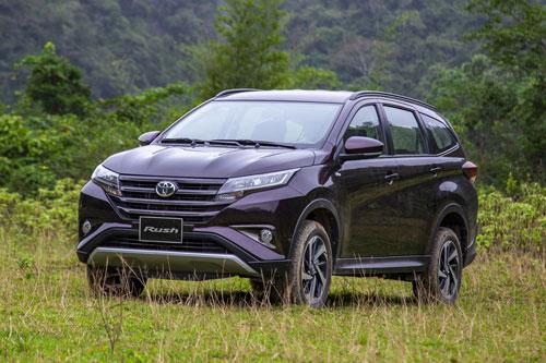 3. Toyota Rush (doanh số: 310 chiếc).