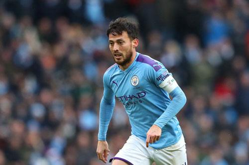 Tiền vệ: David Silva (Man City, năm sinh: 1986).
