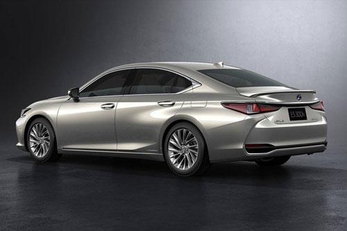 Lexus ES 300h.