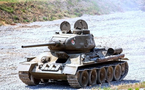 Xe tăng hạng trung huyền thoại T-34-85 của Liên Xô