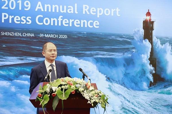 Ông Erix Xu, Chủ tịch luân phiên của Huawei trong cuộc họp báo trực tuyến công bố Báo cáo thường niên năm 2019.