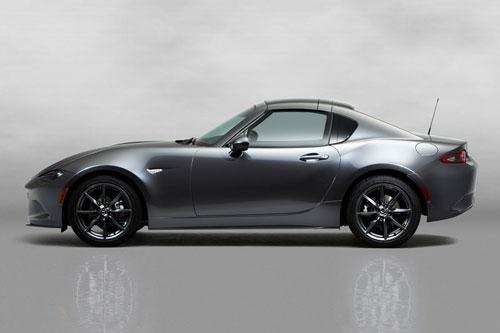 6. Mazda MX-5 Miata Sport (công suất: 181 mã lực, giá khởi điểm: 27.525 USD).