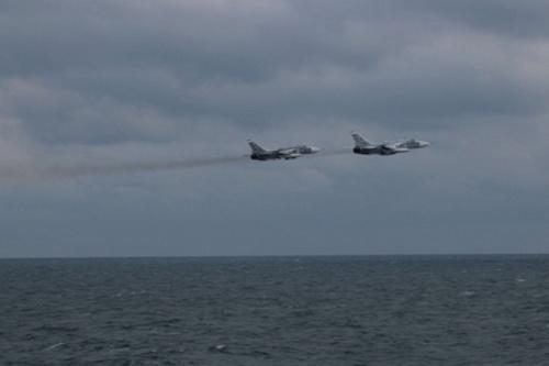 Máy bay ném bom tiền tuyến Su-24M của Hải quân Nga. Ảnh: TASS.
