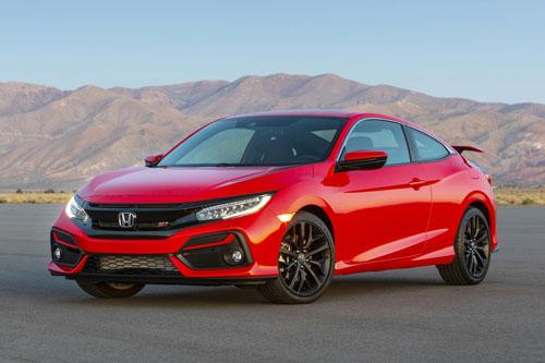 3. Honda Civic Si (công suất: 205 mã lực, giá khởi điểm: 26.155 USD).
