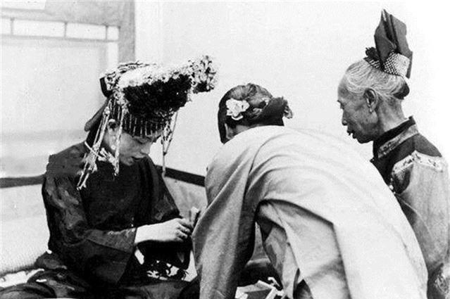Ảnh hiếm về cách tổ chức hôn lễ của một gia đình quý tộc Trung Quốc thời nhà Thanh - Ảnh 11.