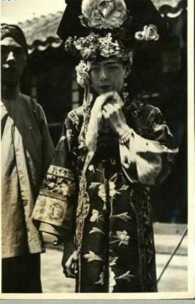 Ảnh hiếm về cách tổ chức hôn lễ của một gia đình quý tộc Trung Quốc thời nhà Thanh - Ảnh 3.