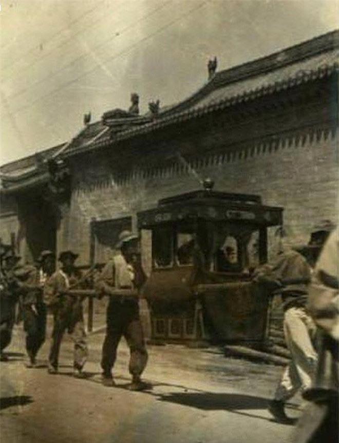 Ảnh hiếm về cách tổ chức hôn lễ của một gia đình quý tộc Trung Quốc thời nhà Thanh - Ảnh 4.