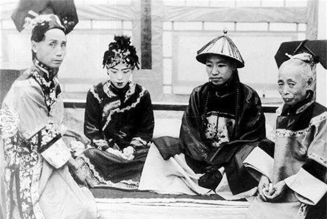 Ảnh hiếm về cách tổ chức hôn lễ của một gia đình quý tộc Trung Quốc thời nhà Thanh - Ảnh 8.