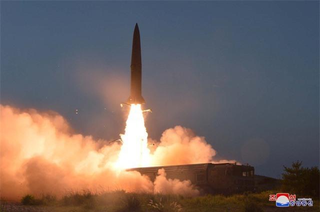 Hàn Quốc nói Triều Tiên phóng nhiều vật thể nghi tên lửa hành trình - 1