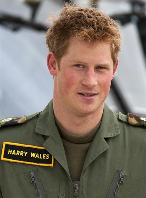 Hoàng tử Harry, dùng họ Wales khi ở trong quân ngũ năm 2009. Ảnh: UK Press.