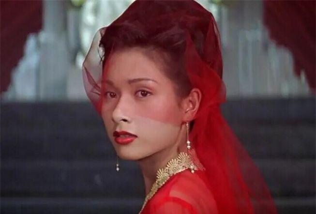 Hoa hậu châu Á đẹp nhất lịch sử: Bẽ bàng vì lộ ảnh nóng, bị đánh ghen, U50 sống cô độc - Ảnh 2.