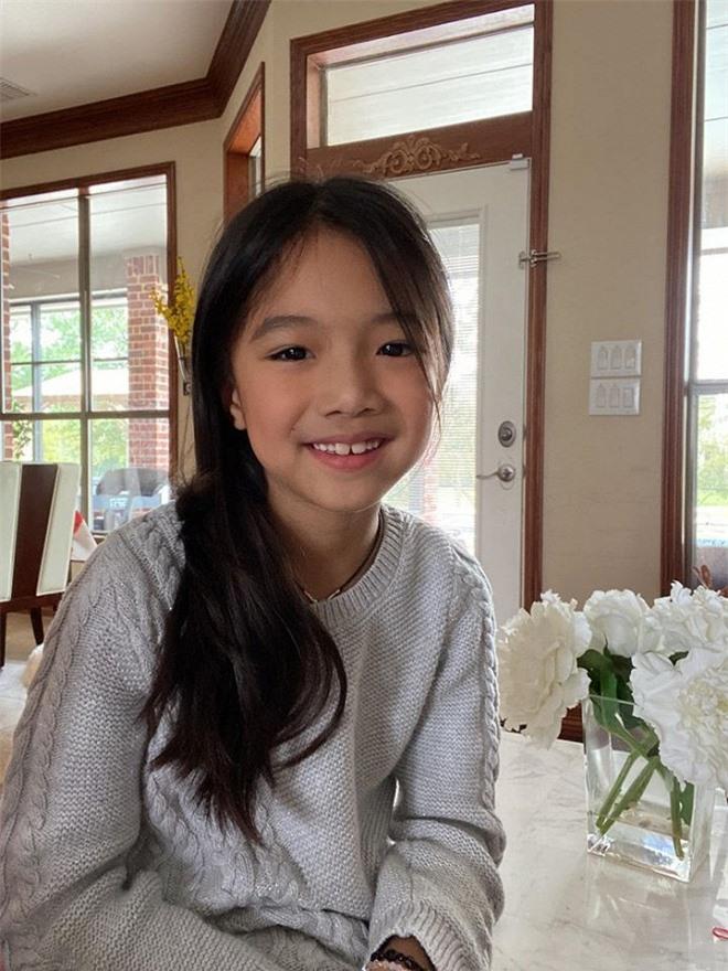 Lâu không xuất hiện, con gái Hồng Ngọc xinh đẹp, phổng phao như thiếu nữ 3