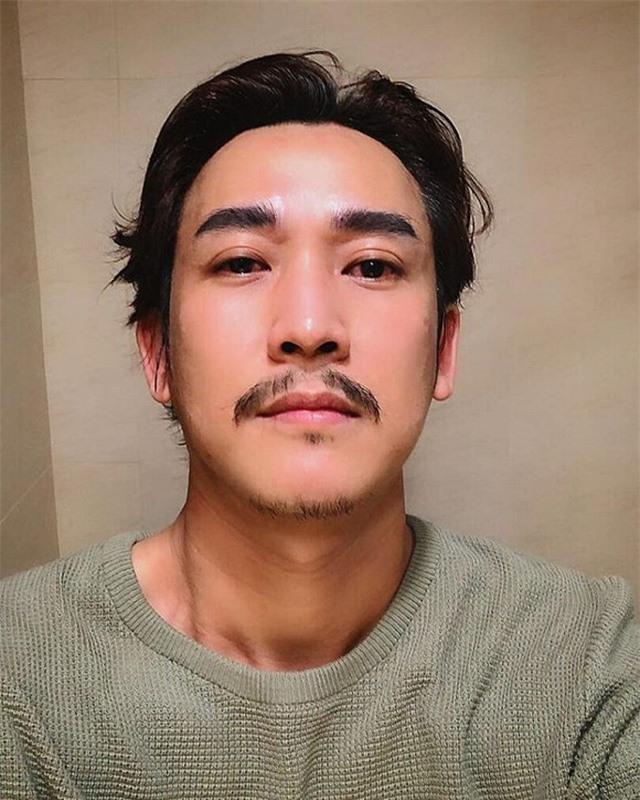 """Ở nhà cách ly, sao Việt để râu tóc """"dài thượt"""" khiến fan sửng sốt - 10"""
