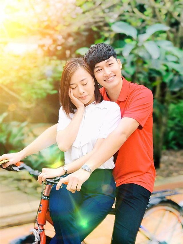 Phương Oanh công khai hôn bạn trai đắm đuối - 4