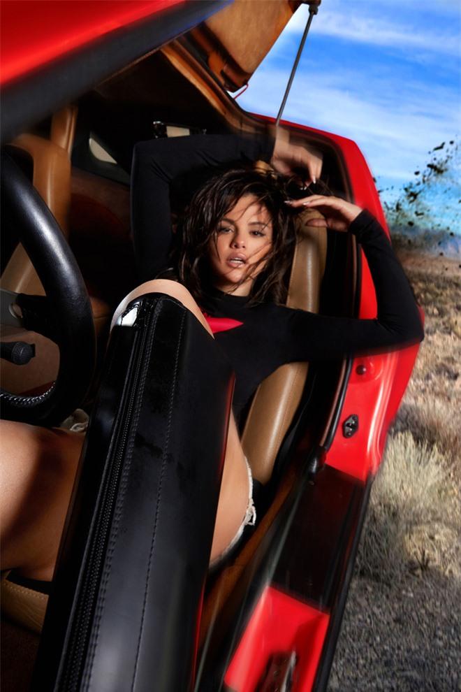 Selena Gomez lại khiến MXH nổi bão to: Quên công chúa Disney đi, chị đẹp nay đã lột xác táo bạo lắm rồi! - Ảnh 4.