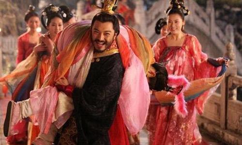 Tần Thủy Hoàng có hàng ngàn mỹ nữ trong cung