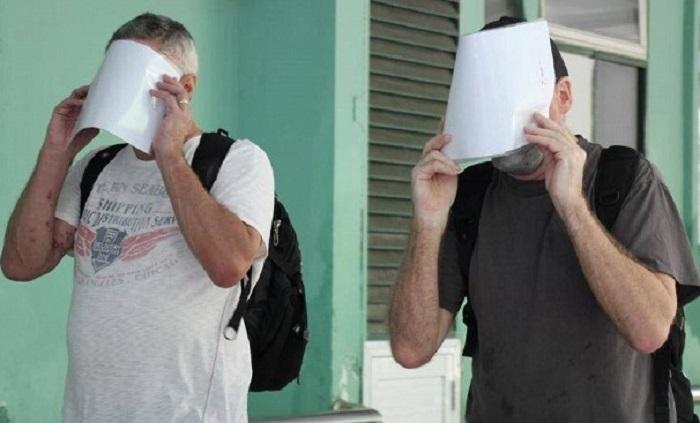 Bệnh nhân 22 và bạn là bệnh nhân 23, cùng là người Anh, xuất viện sau khi điều trị khỏi Covid-19 tại Đà Nẵng