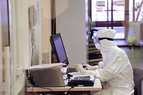 Số bệnh nhân mắc COVID-19 ở Nga đang tăng cao. Ảnh: Hãng tin Moskva.