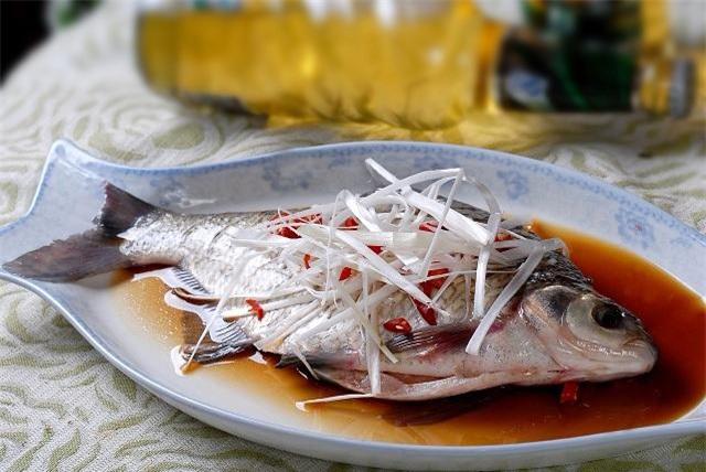 Làm cá hấp, thường cho gia vị này vào mà chị em không biết mình khiến món ăn mất ngon - 3
