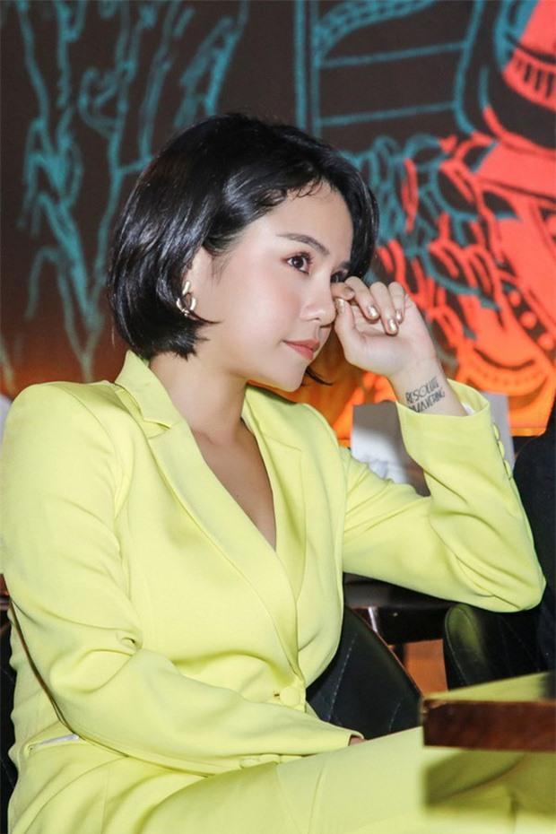 thai-trinh-quang-dang-chia-tay-2-1586272586346979486962-ngoisao.vn-w620-h930 1