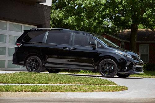 10. Toyota Sienna 2020 (giá khởi điểm: 32.760 USD).