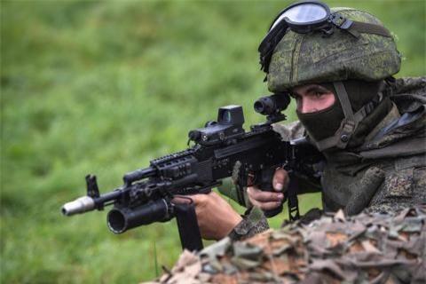 Kha nang vuot troi cua AK-12 truoc sung My