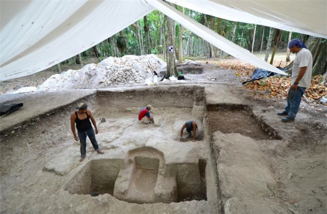 Ngã ngửa khi mở cửa mộ cổ Maya 2.500 tuổi - Ảnh 3.