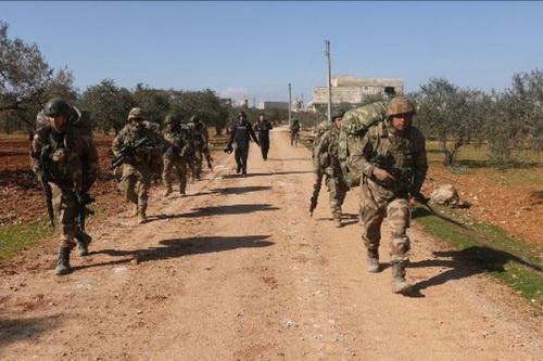 Đặc nhiệm Thổ Nhĩ Kỳ đã tràn vào tỉnh Idlib của Syria. Ảnh: Al Masdar News.