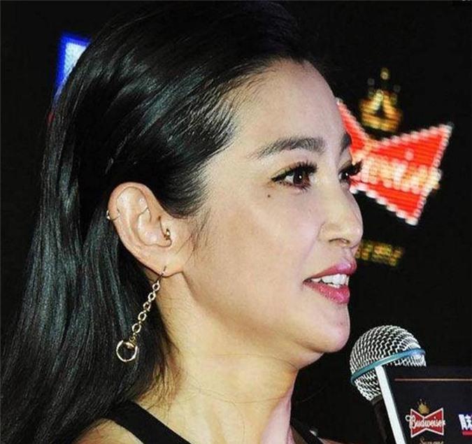 """Khoe mặt nọng """"2 cằm"""", mỹ nhân Việt có biết đây là ác mộng của sao Hoa Ngữ? - 11"""