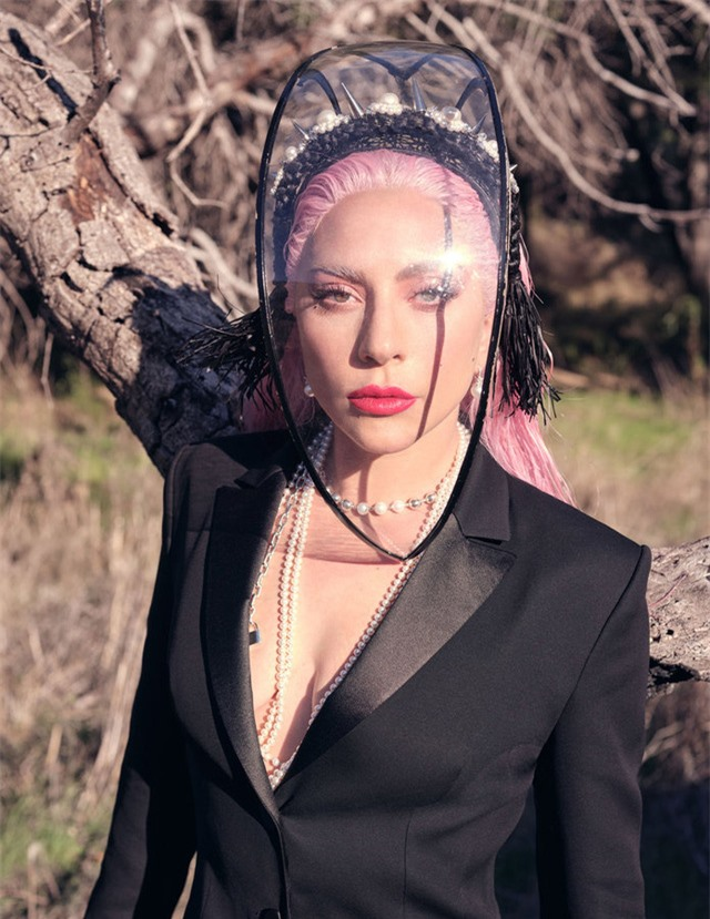 Lady Gaga - Nữ tính trong sự nổi loạn - Ảnh 3.