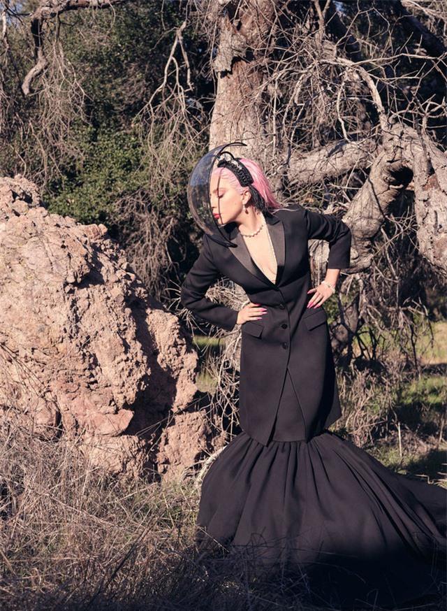 Lady Gaga - Nữ tính trong sự nổi loạn - Ảnh 6.