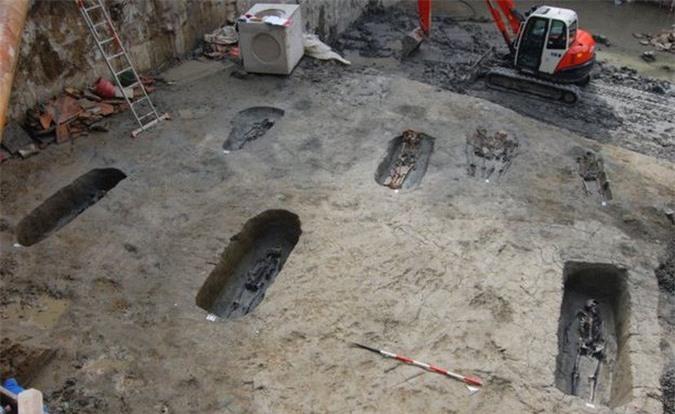 Sự thật gây sốc về đôi tình nhân trong mộ cổ 1.700 năm - Ảnh 2.