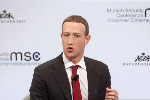 4.Mark Zuckerberg. Đồng sáng lập kiêm CEO của mạng xã hội Facebook (tổng tài sản: 54 tỷ USD)