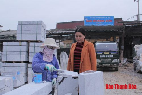 Chị Nguyễn Thị Nhạn, tấm gương phụ nữ vươn lên làm giàu chính đáng ở phố Nam Hưng, phường An Hưng.