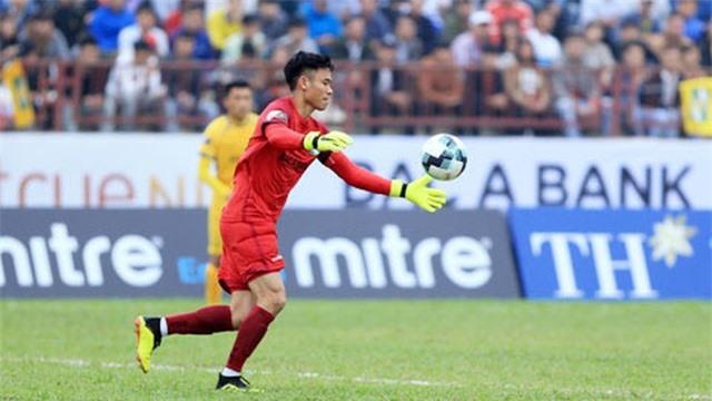 Những thủ môn nào có thể thay thế Đặng Văn Lâm ở AFF Cup? - 3