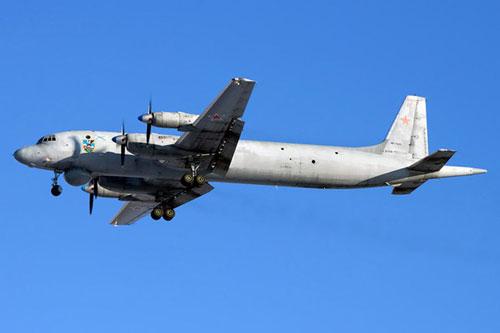 Trong một thông báo trên Twitter ngày 9-4, Bộ Tư lệnh phòng không Bắc Mỹ cho biết, những chiếc chiến đấu cơ F-22 Raptor của Mỹ đã chặn 2 chiếc máy bay IL-38 của Nga đi vào Vùng nhận dạng phòng không Alaska.