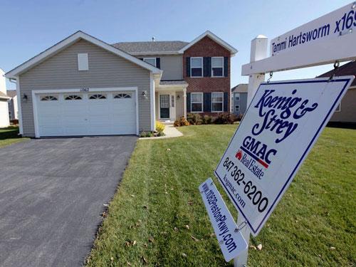 Tương tự, với mức giá trung bình một ngôi nhà ở Mỹ là 282.000 USD, ông chỉ phải chi hết 13 USD. Ảnh: AP.